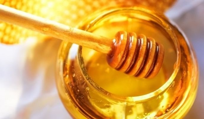 Raw Honey: A Tasty Natural Sweetener
