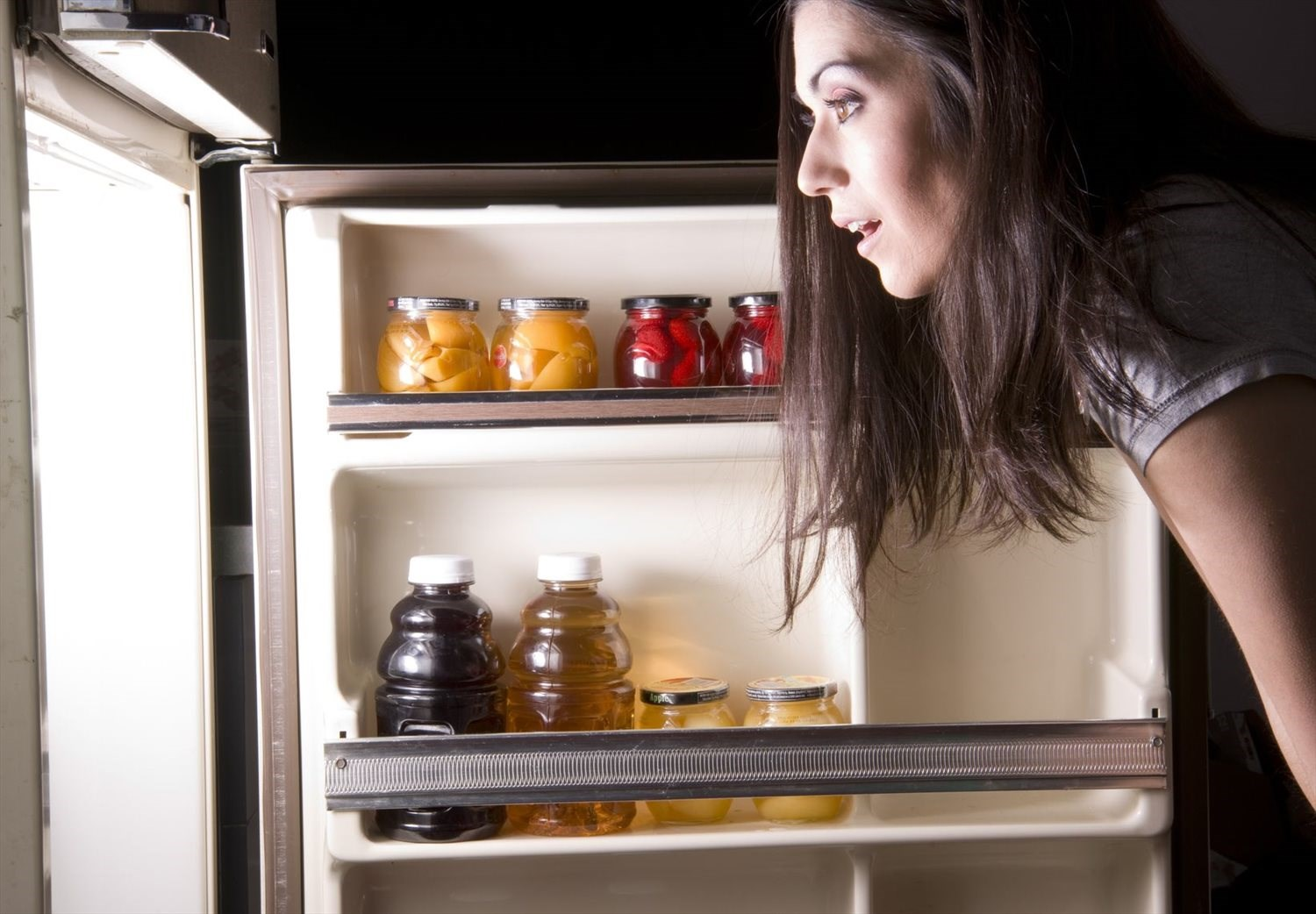 Should You be Snacking Before Bed?