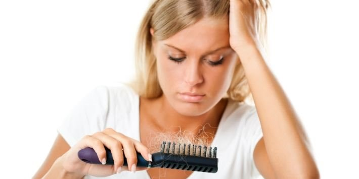 How to Naturally Fight Hair Loss