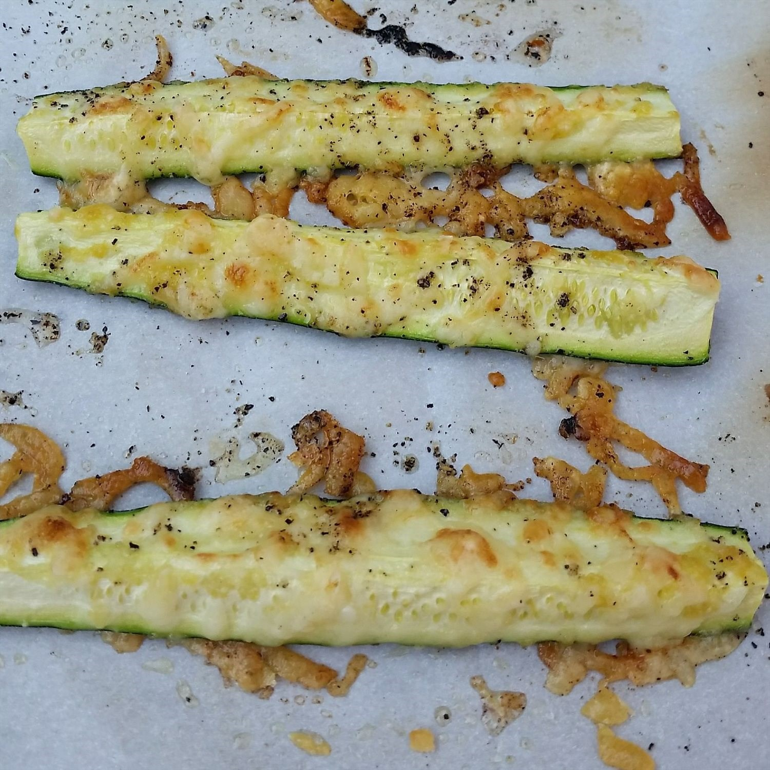 Oven-Roasted Garlic and Parmesan Zucchini